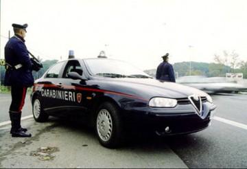 04_05_2010_carabinieri1.jpg