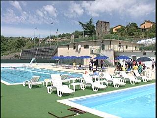 09_06_12_piscina_piazza.jpg