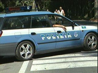 13_07_10_polizia_viareggio.jpg