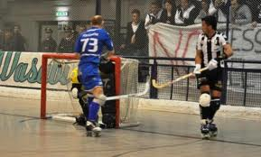 17_4_13__hockey.jpg
