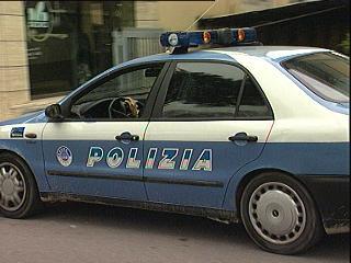 23_11_polizia1.jpg