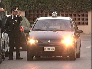 25_09_carabinieriviareggio.jpg