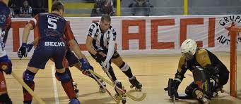 30_5_12__hockey.jpg