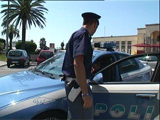 8_07_11_controlli_polizia_viareggio3.jpg