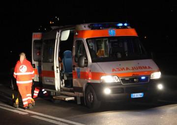 ambulanza-118-intervento-notte.jpg
