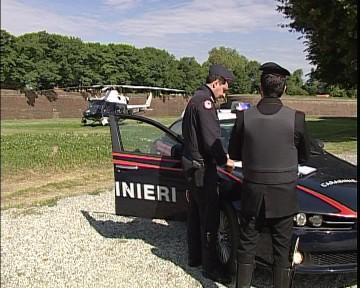 carabinieri_e_pietrasanta.avi.still002.jpg