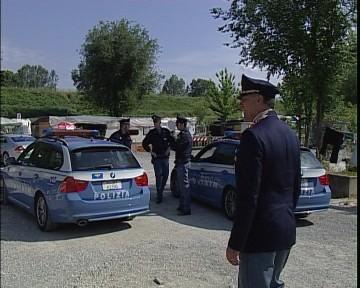 controlli_polizia_campo_nomadi.avi.still0011.jpg