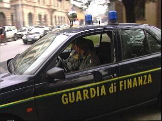 copia_di_7_10_10_guardia_di_finanza.jpg