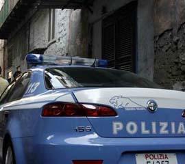 polizia_auto_dietro_04.jpg