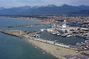 porto_viareggio1.jpg