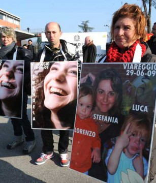 viareggio_parenti_vittime_strage_viareggio_udienza_processo_06.jpg