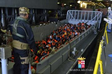 marina-militare-migranti