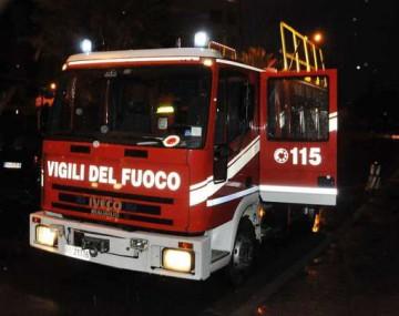 vigili-del-fuoco-notturna-incendio-stabilimento-balneare-italo-calvino-sanremo-febbraio-201321_641870