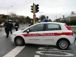 1_8_15_ polizia municipale