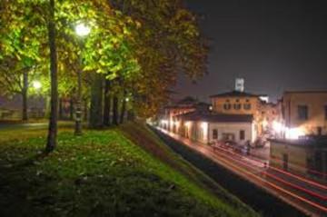 mura_notte_800_800