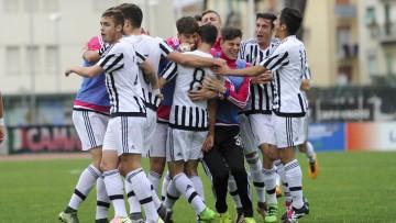 68 Torneo di Viareggio Finale Viareggio - 30.03.2016 - Stadio dei Pini - Juventus vs Palermo - nella foto: esultanza juve /Ph. Corradetti - Ag. Aldo Liverani Sas