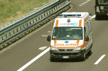 ambulanza-in-autostrada