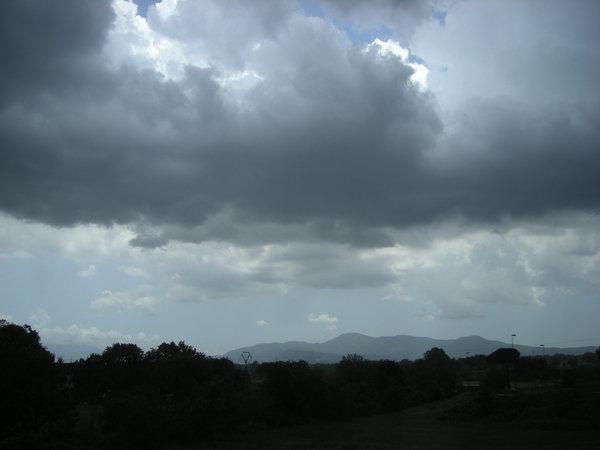 Risultati immagini per vento pioggia