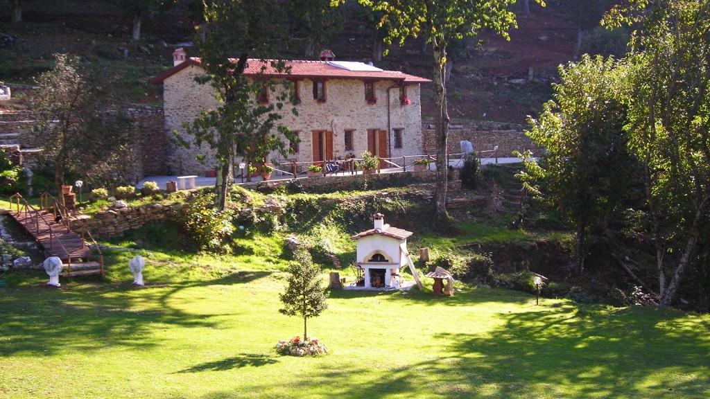 Due giovani morti avvelenati in un agriturismo a Retignano
