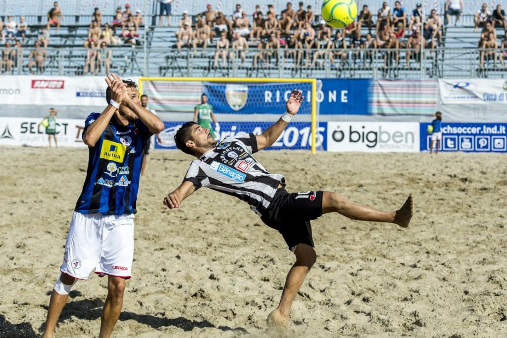 Fa tappa a viareggio il campionato italiano di beach soccer noitv - Bagno flora viareggio ...